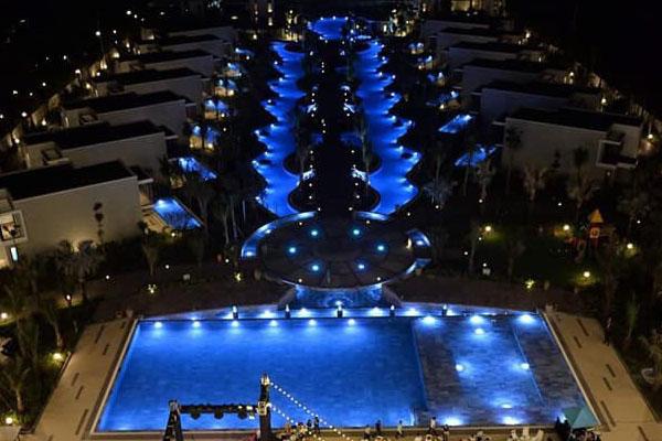 Đèn hồ bơi