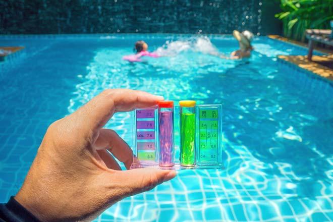 Kiểm soát độ pH trong hồ bơi