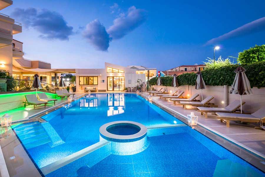 Giải pháp cho hồ bơi khách sạn