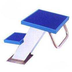 Bục xuất phát 2 bậc chân nghiêng